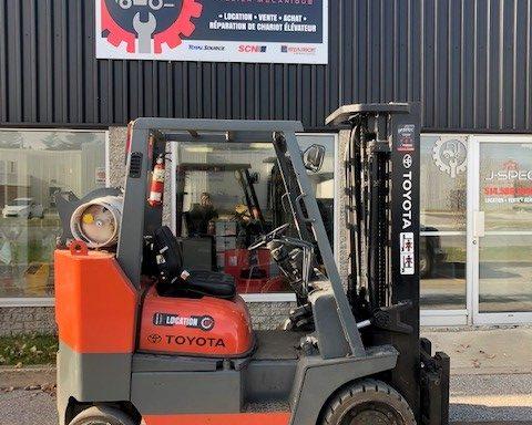 Chariot élévateur / Lift Toyota 7000lbs