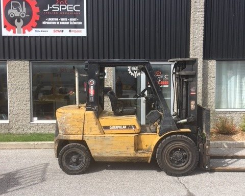 Chariot élévateur/lift/forklift  Caterpillar 8000 lbs