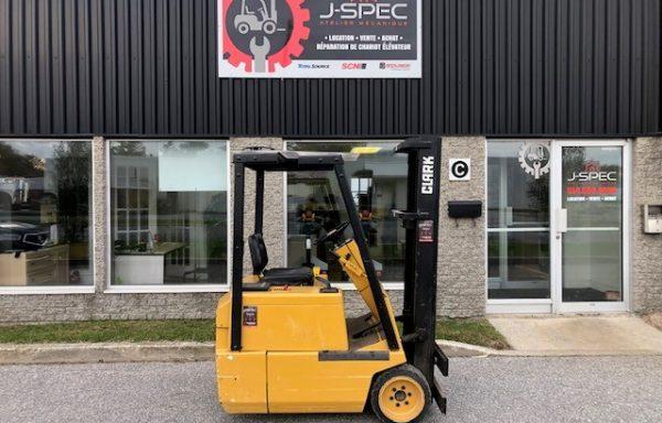 Chariot élévateur / Lift / Forklift Clark