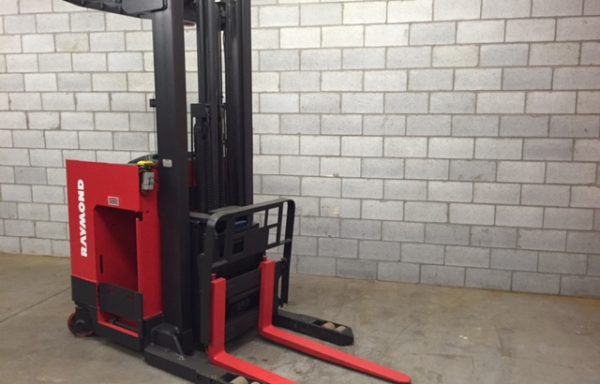 chariot élévateur /lift/forkliftRaymond reach